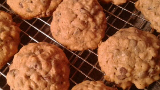 Oatmeal Peanut Butter and Chocolate Chip Cookies Recipe